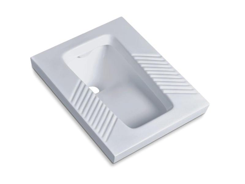 Bathroom ceramic squat toilet with flush