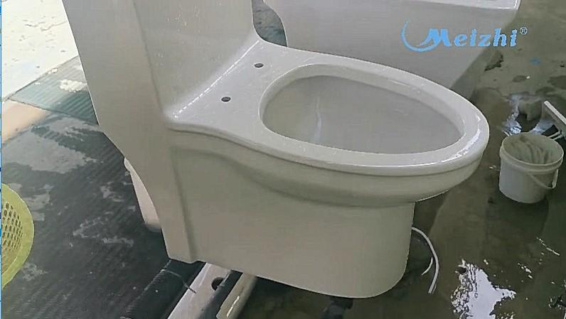 Our ceramic toilets have a powerful flushing capacity to wash away all the dirt.